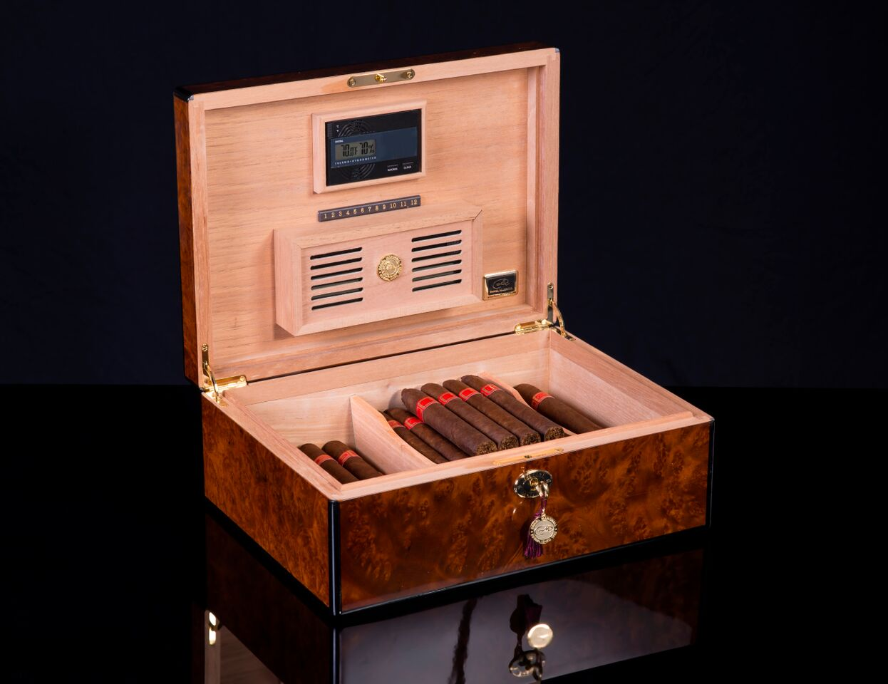 30125 Burl Closed SIGNATURE SERIES CIGAR HUMIDOR best